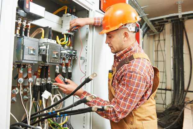 Home Remodeling Projects That Require An Electrician