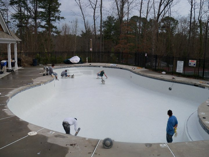 Five mistakes homeowners make when building swimming pools for Pool design mistakes