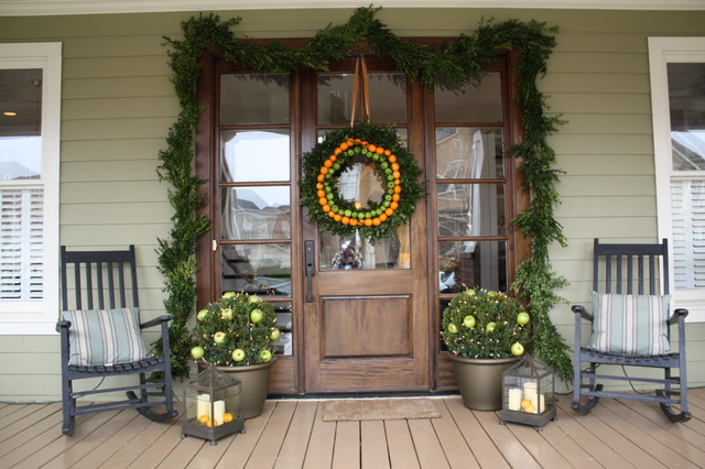 Use Garland or a Wreath All Year Long