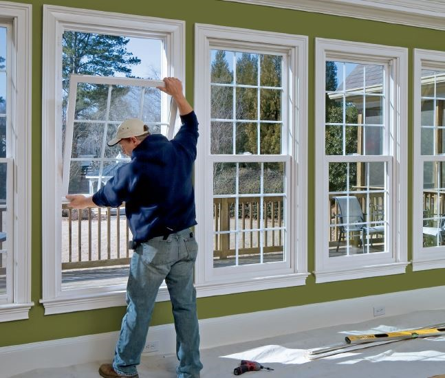 5 reasons to hire window installation contractor my for Window replacement contractor