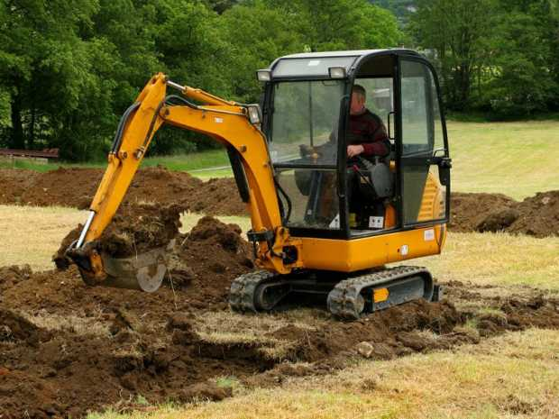Mini Excavator Operator