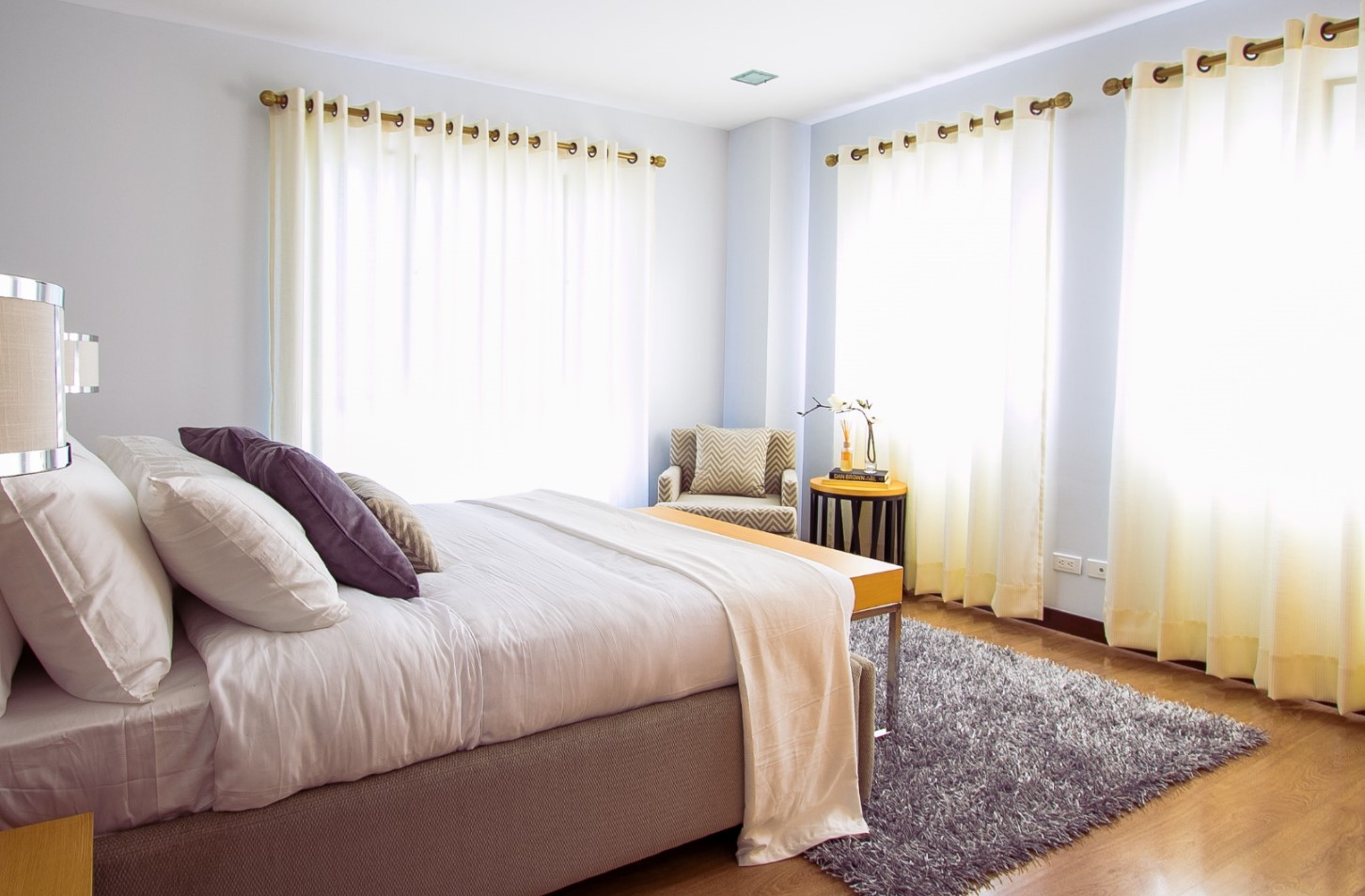 Simple Luxury Bedroom