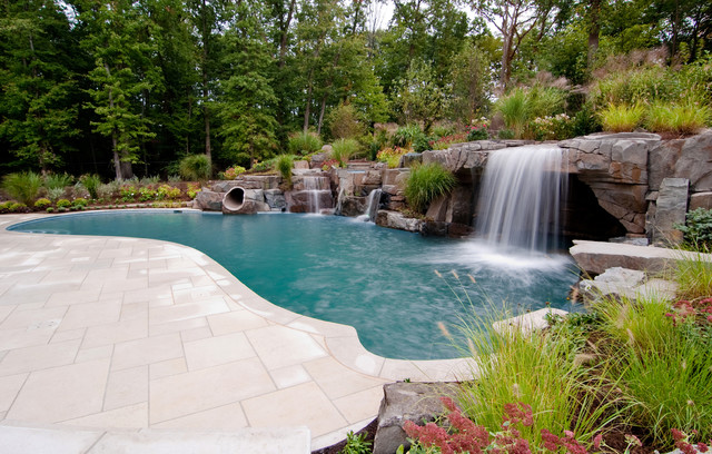 A Comprehensive Guide To Swimming Pool Water Feature | My ...