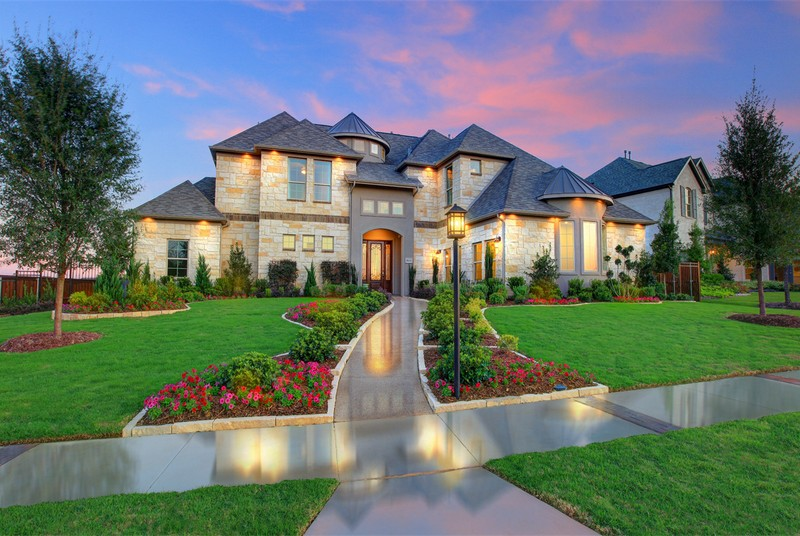 What To Look For When Hiring Luxury Custom Home Builders | My Decorative