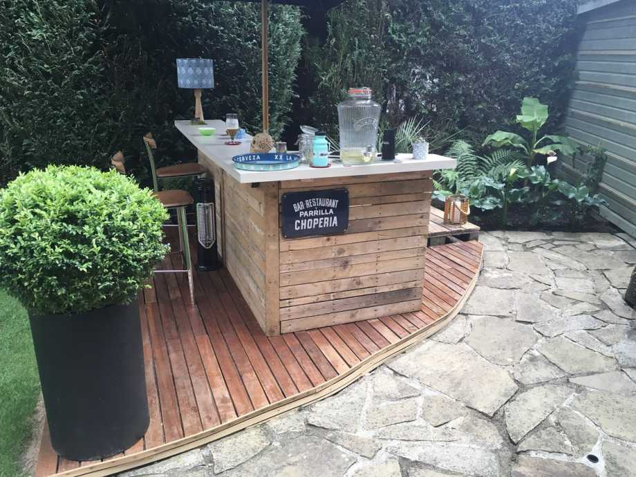 Setup An Outdoor Bar
