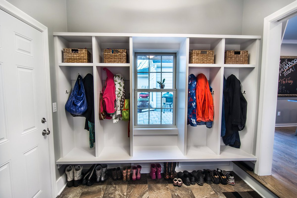 Build A Mudroom
