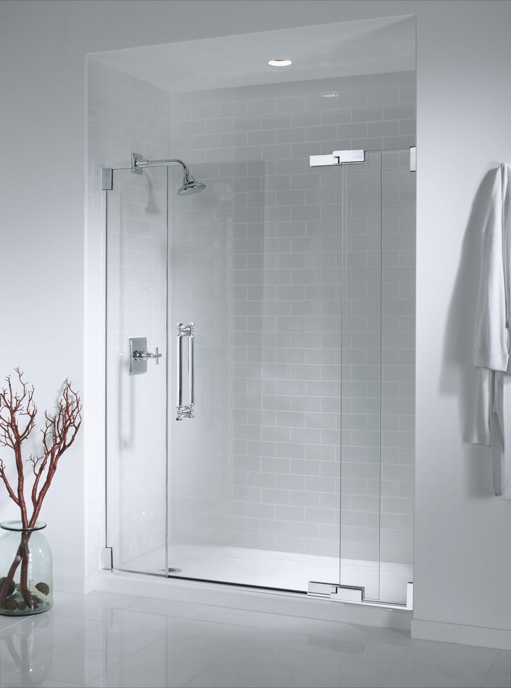 6 Shower Doors Trends That Can Enhance The Visual Appearance