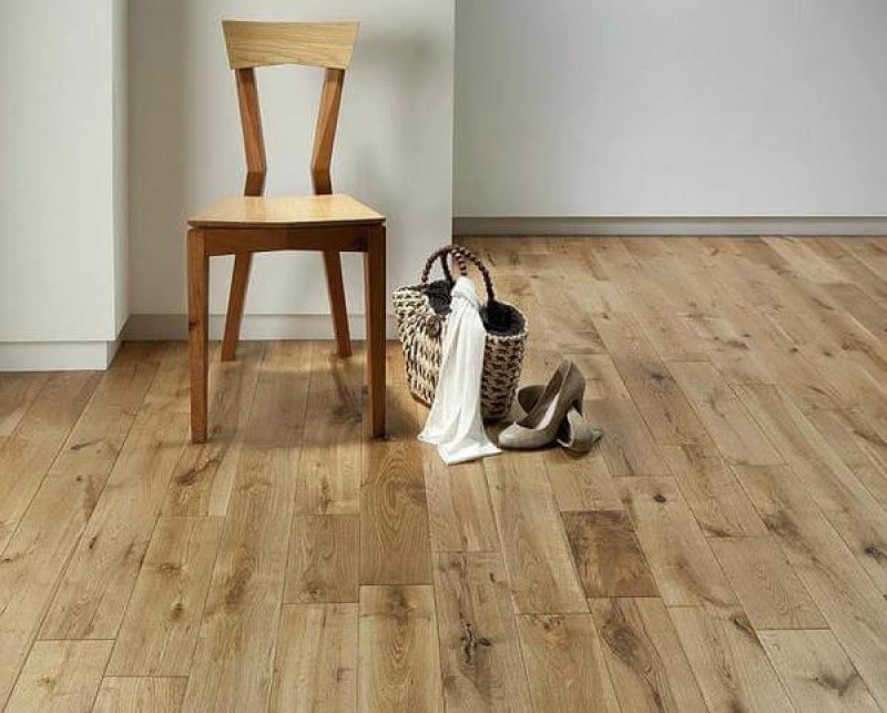 Calder Engineered Natural Oak Lacquered Wood Flooring