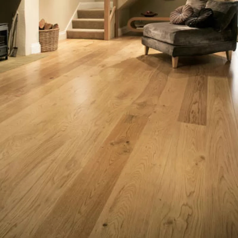 Glanwell Engineered Natural Oak Lacquered Wood Flooring