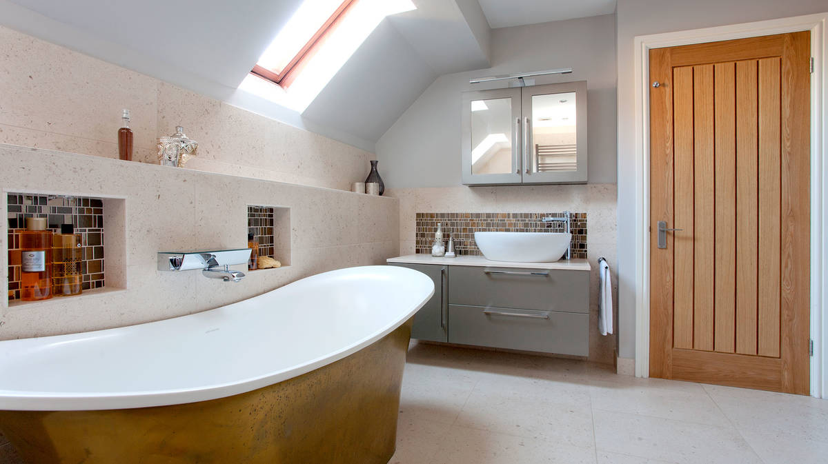 Gleaming Bathroom With Unique Stone