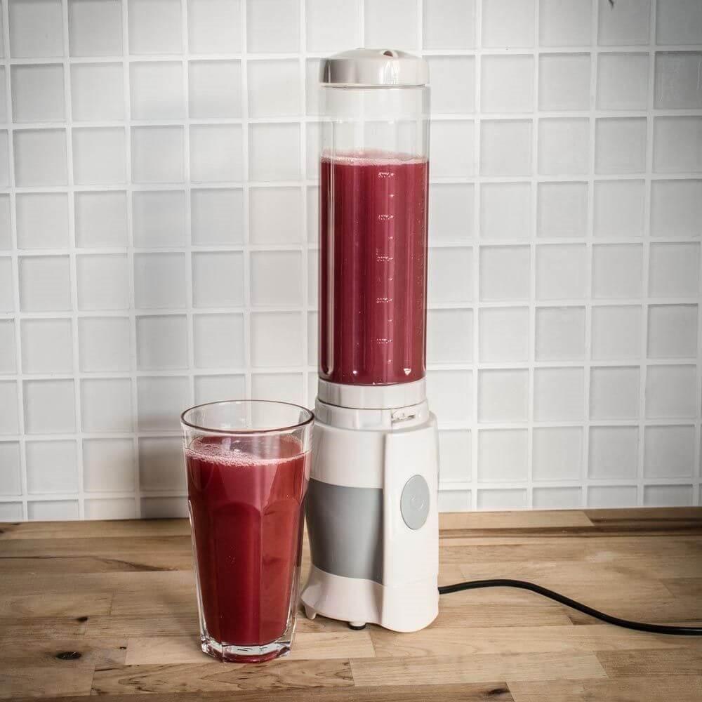 Juicer With A Takeaway Bottle