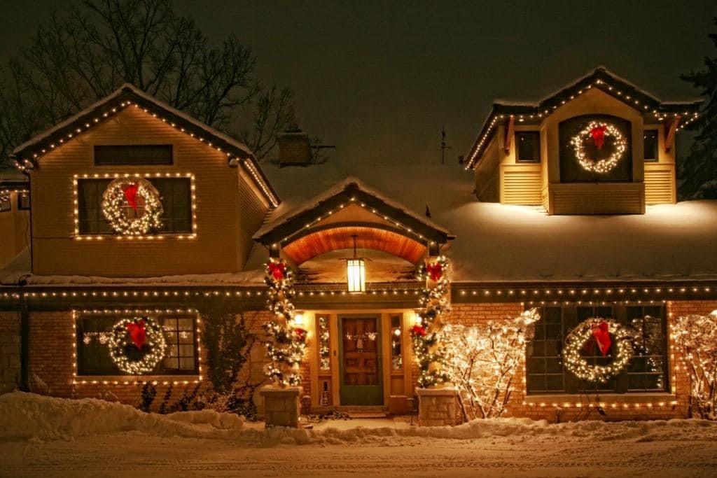 Light Up Wreaths