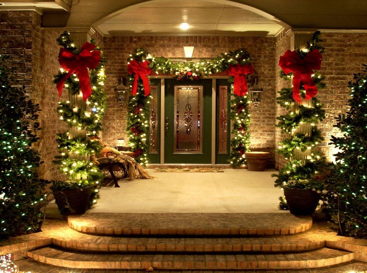 Elegant Christmas Doorway Decor