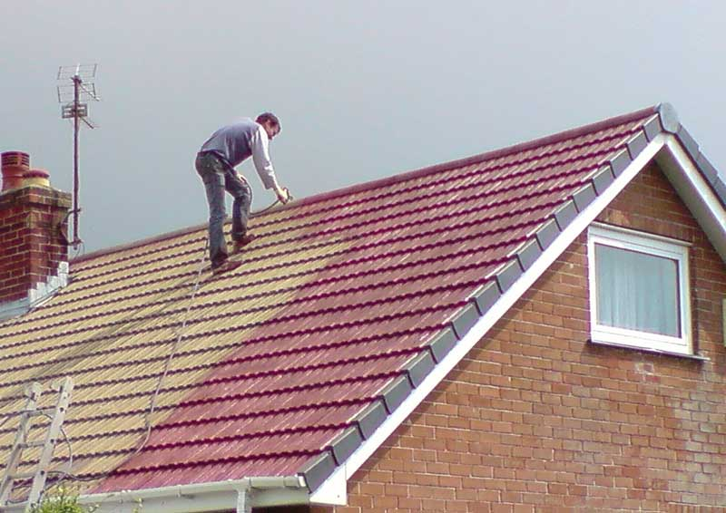 High Pressure Roof Cleaning And Coating