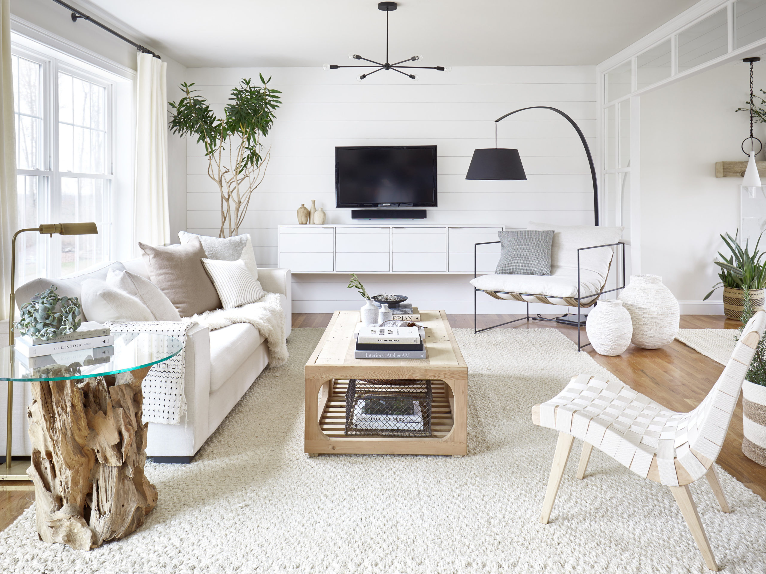 Arrange Furniture On The Rug In The Room Accordingly