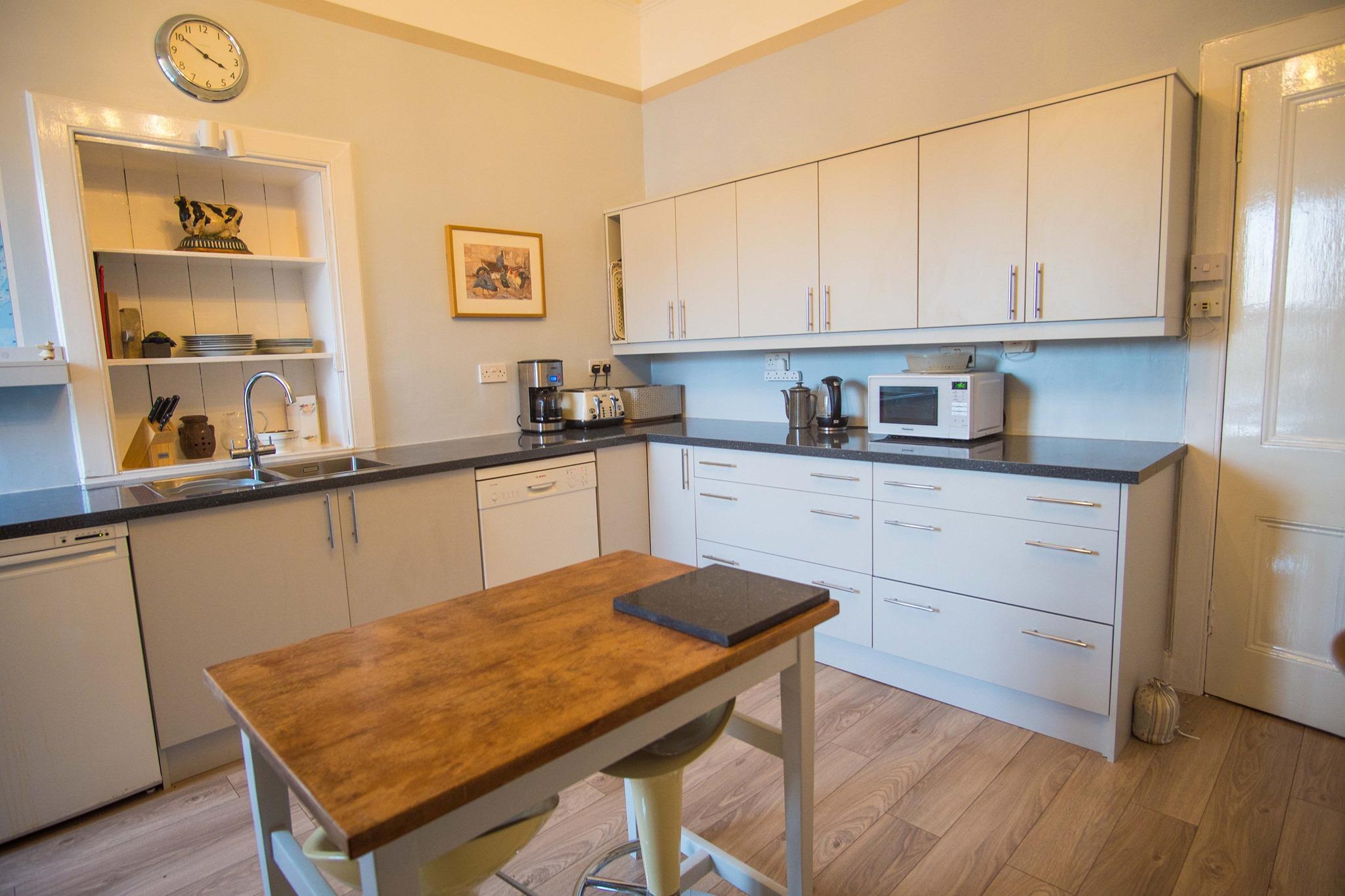 Fitted Kitchen In Glasgow