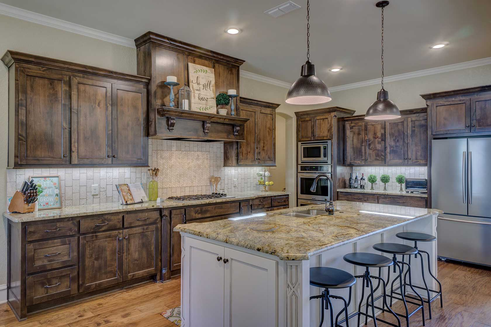 Solid Wooden Kitchen Cabinets