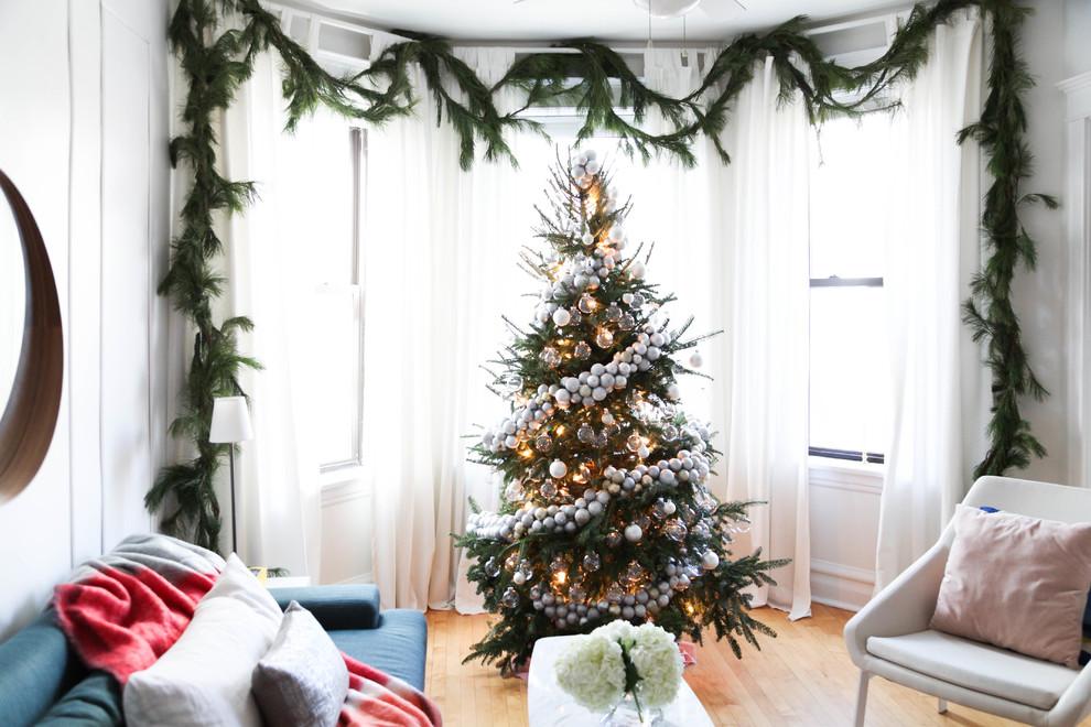 Window Decorations For Holiday Season
