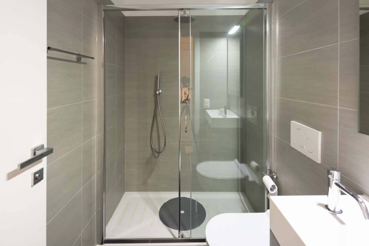 Elegant Showers Semi-Frameless Bypass Sliding Shower Doors
