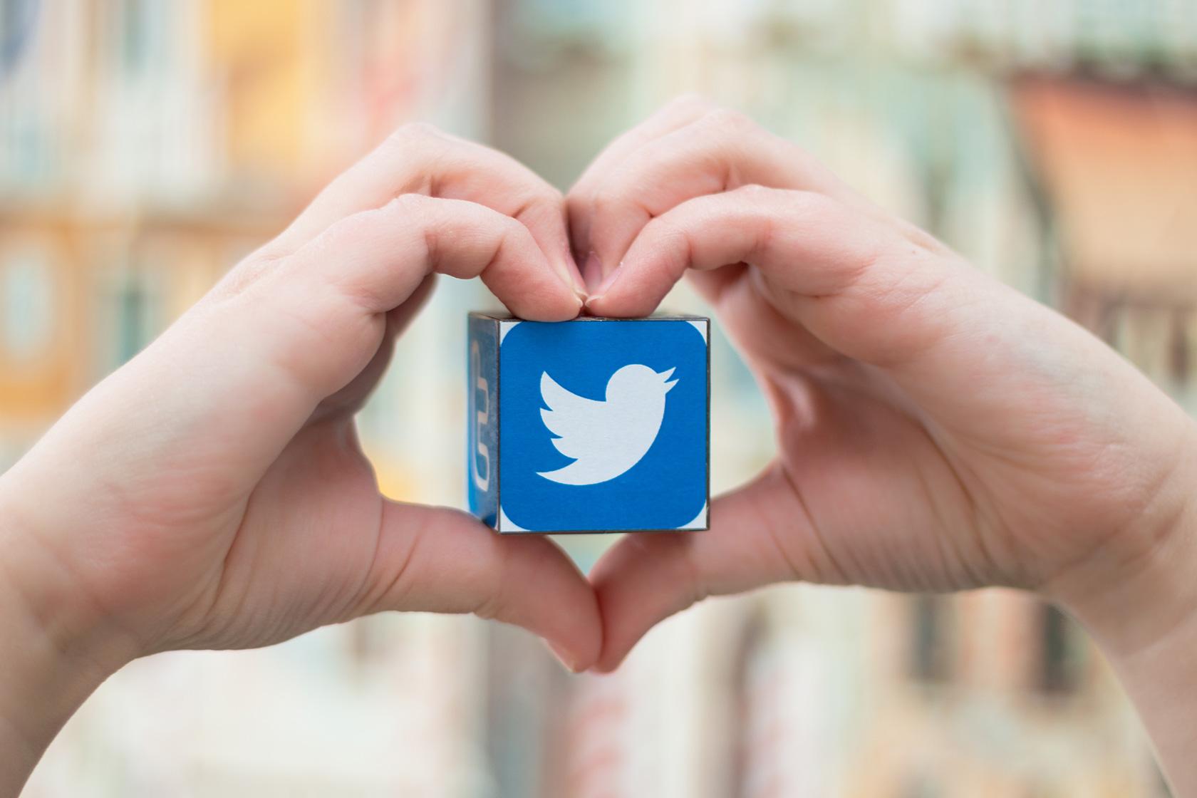 Follow Best Home Interior Designers On Twitter
